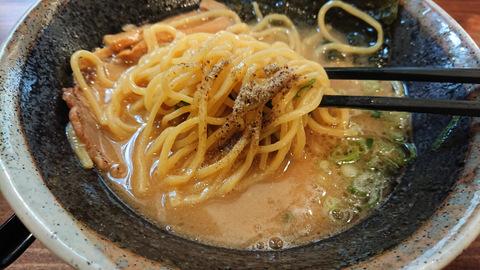 俺の豚骨(麺)