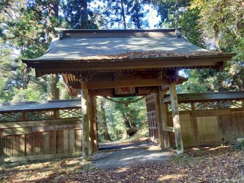 真弓神社の山門