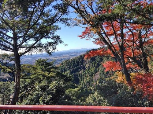 神社から見る筑波山方面