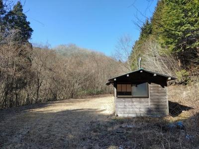 林道の作業小屋