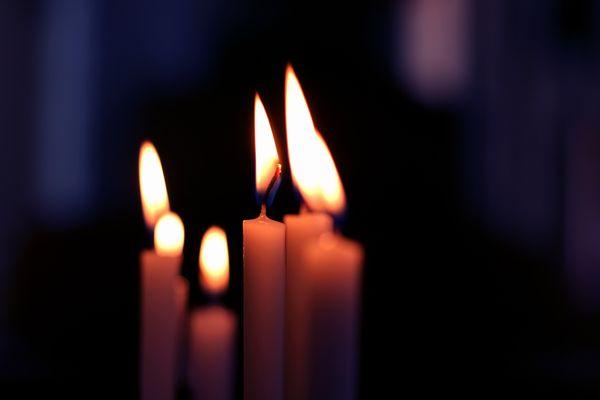 candle-225036_1920.jpg