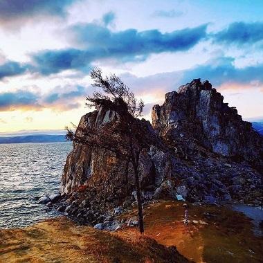 オリホン島シャーマンロック - コピー