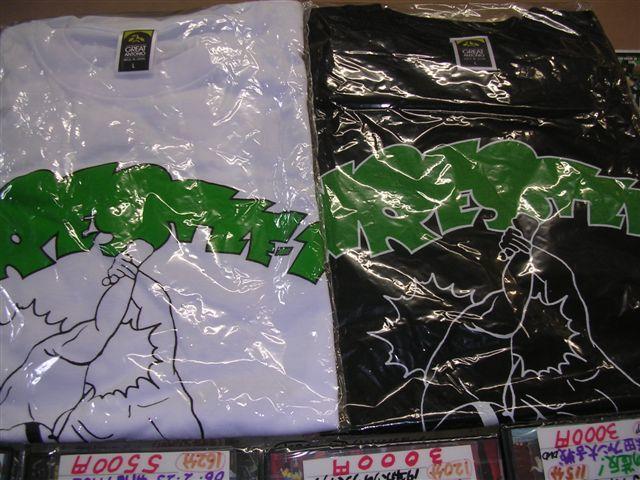 グレートアントニオ時代(2002年)のWRESTLE-1Tシャツ