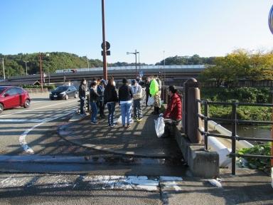 七つ橋渡りとゴミ拾い開始