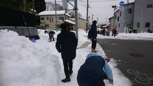 田上小前の除雪