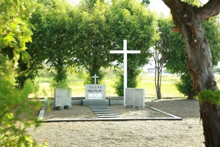 教会の墓地2020年