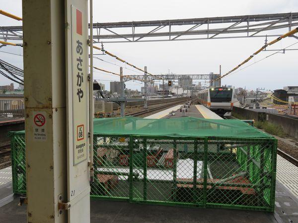 ホーム延長工事が進む阿佐ヶ谷駅