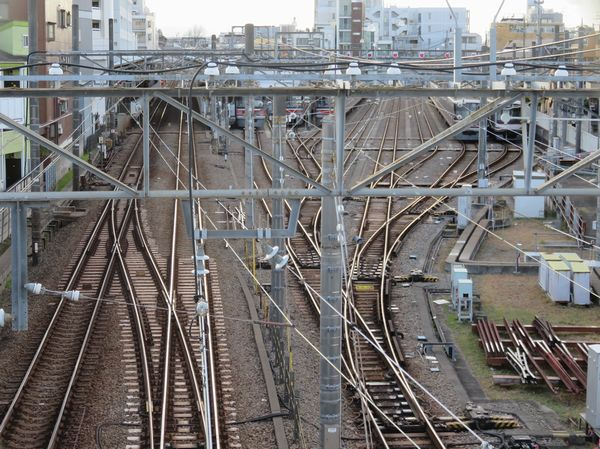 目黒寄りにある歩道橋から見た工事前の留置線。