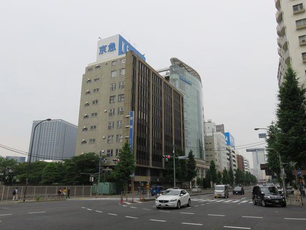 再開発予定地には京急電鉄や子会社のビルが存在したが、昨年9月までに全て横浜みなとみらいに移転した。