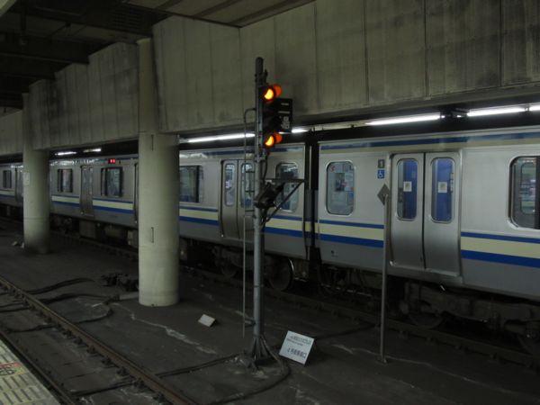 総武・東京トンネルでは開業当初ATCを使用していたが、現在は地上信号機とATS-Pの一般的な組み合わせとなっている。