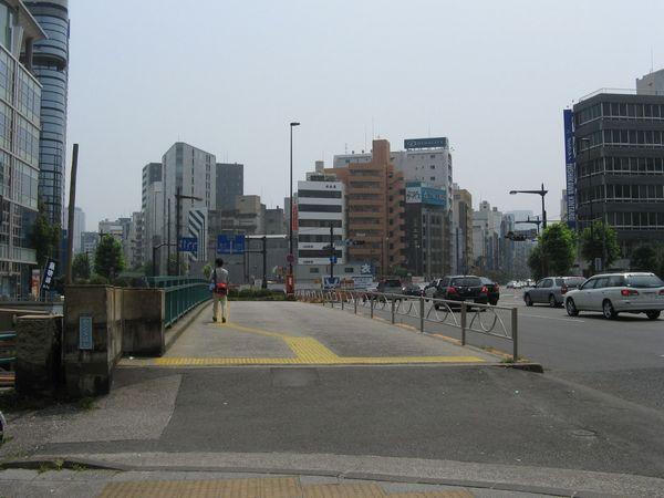 清杉通りと江戸通りの分岐点となる浅草橋