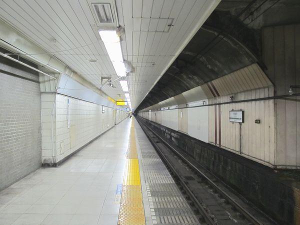 シールドトンネルで形成されたホーム中間部分