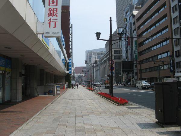 JPビル(撮影当時は中国銀行東京支店)1階にあった出口1。