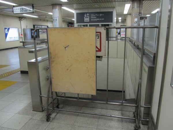特別避難階段と2011年に新設されたエレベーター