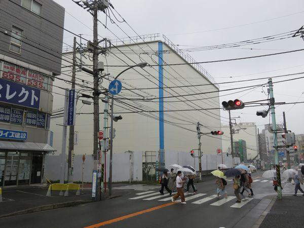 綱島温泉東京園跡地にある綱島トンネル設備建屋。