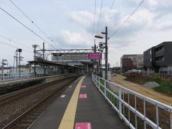 参考までに単線時代の高柳駅。柏寄りのホームは一部が仮設構造だった。