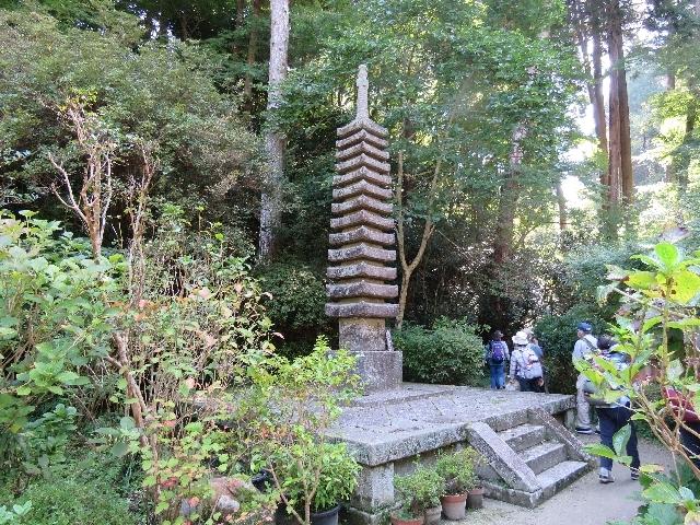 s-岩船寺十三重石塔