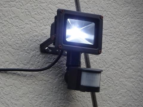 「アンテナ修理と防犯ライトを取り付けてもらいました。」⑤