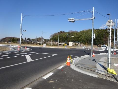 「県道飯岡石岡線、北根本交差点が改良され信号機が付きました!」 (2)