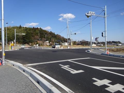 「県道飯岡石岡線、北根本交差点が改良され信号機が付きました!」 (4)