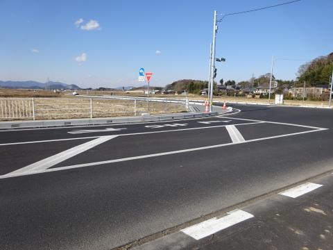 「県道飯岡石岡線、北根本交差点が改良され信号機が付きました!」 (9)