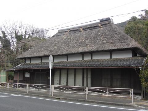 茅葺屋根の旧家
