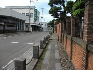 200618斜陽館沿いの道