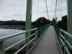 200618つり橋渡る