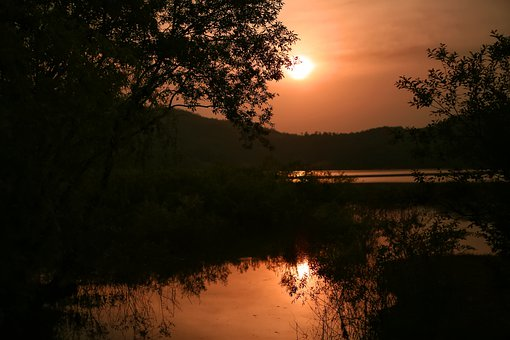 sunset-5015946__340.jpg