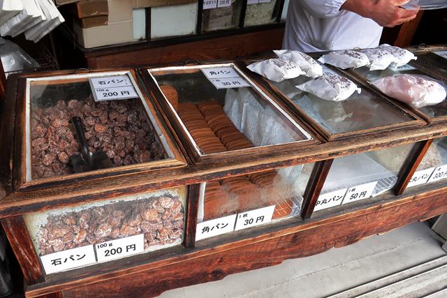 201106-本家かたパン熊岡菓子店-003-S