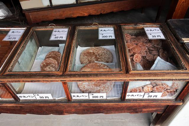 201106-本家かたパン熊岡菓子店-004-S