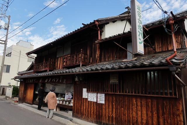 201106-本家かたパン熊岡菓子店-009-S