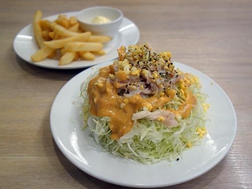 蒸し鶏キャベツのスパイスサラダ